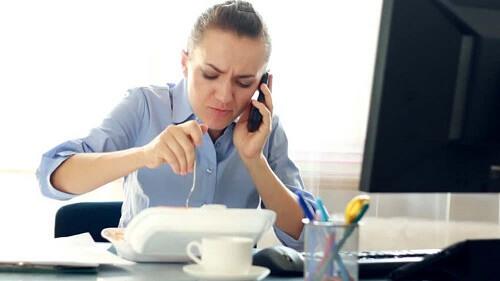 8 bệnh thường gặp ở dân văn phòng và cách phòng tránh